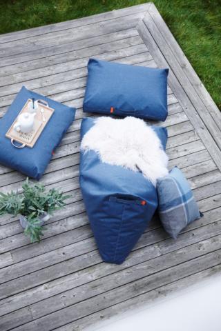 Terrassenkissen und Sitzkissen von Trimm in blue jeans
