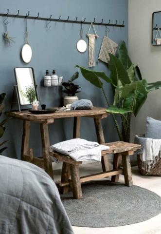 Holzmöbel, Seifen und Gästetücher aus Skandinavien von Ib Laursen