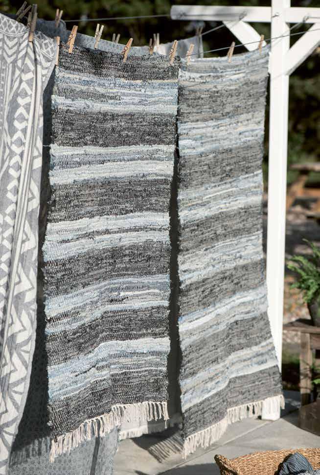 Hübsche Teppiche und Stoffe aus Skandinavien von Ib Laursen