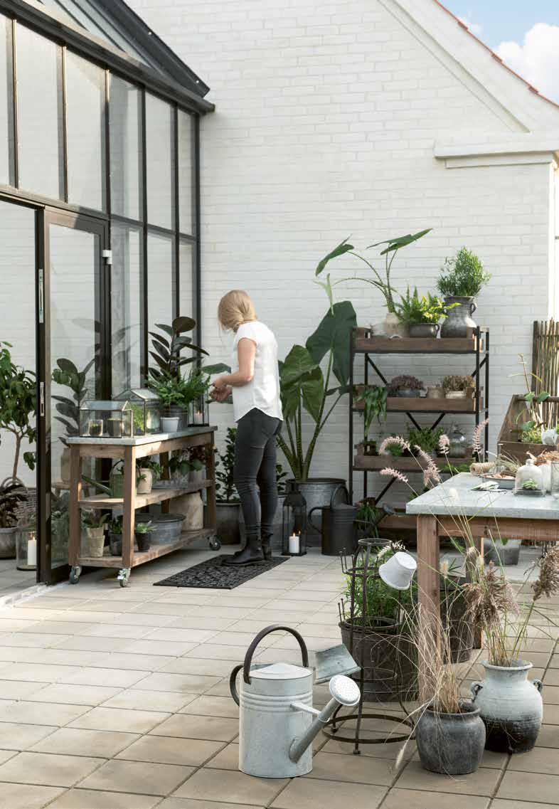 Pflanztische und Arbeitstische aus Skandinavien von Ib Laursen