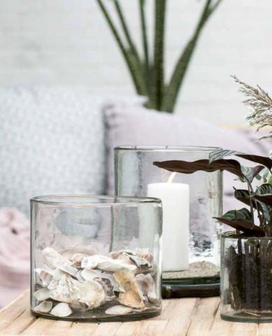 Blumenvasen aus Glas zur DIY-Deko