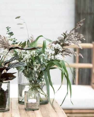 Blumenvasen aus Glas zur DIY-Deko mit Teelicht