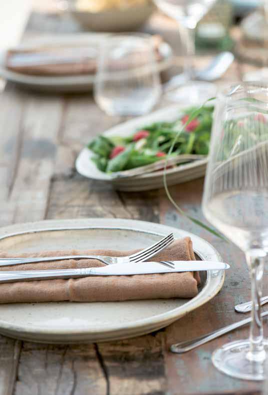 Tischdeko und Leinenservietten aus Skandinavien