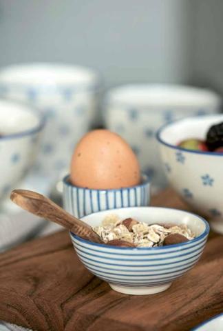 Müsli und Frühstücksschalen
