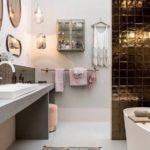 Badezimmerbeleuchtung von ebb und flow, platinum and copper
