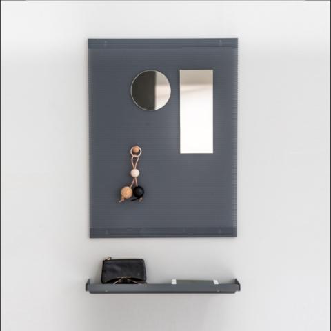 Wandregal aus Metall in anthrazit von Anne Linde als Dielenablage