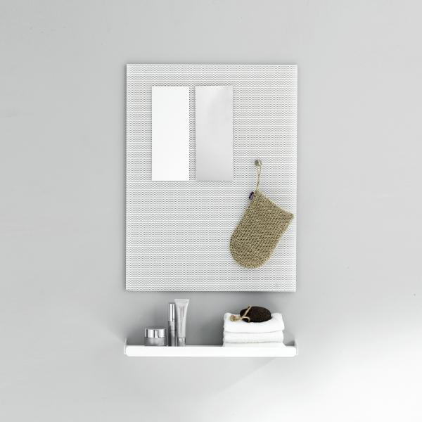 Wandregal aus Metall in weiß, gelocht von Anne Linde als Schminkspiegel