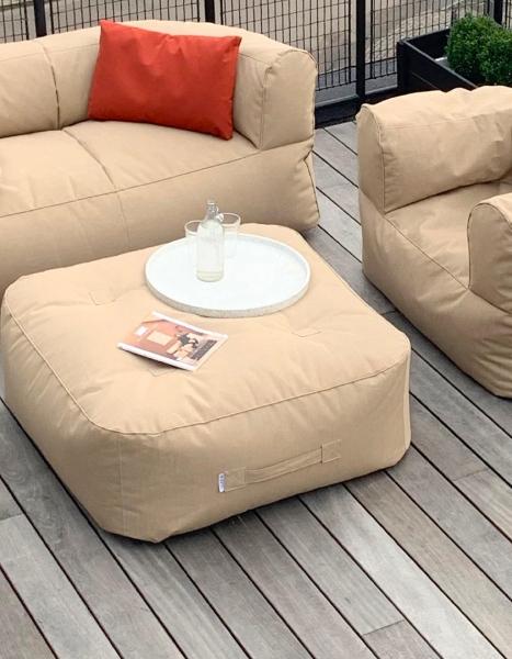 Wetterfeste Loungekissen mit Lehne in Beige mit Tablett